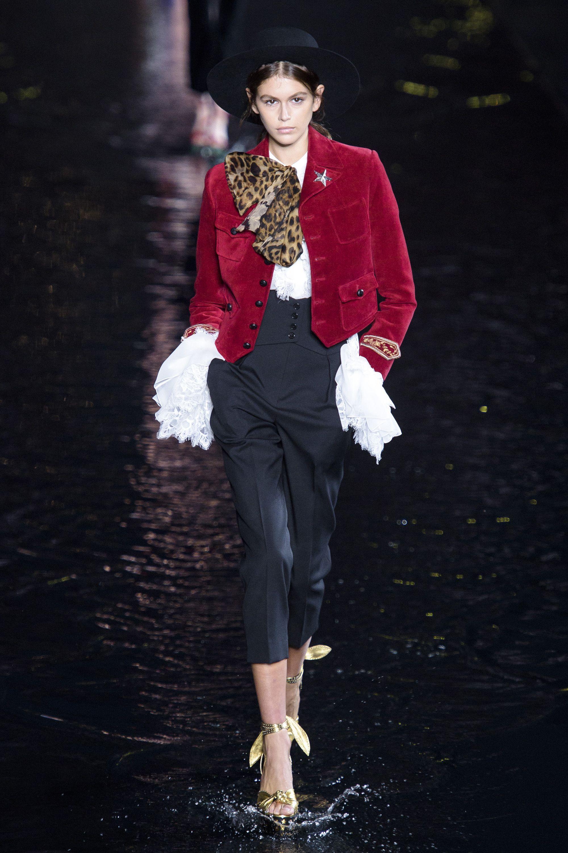 Saint Laurent S Best Looks At Paris Fashion Week Spring 2019 On Zig