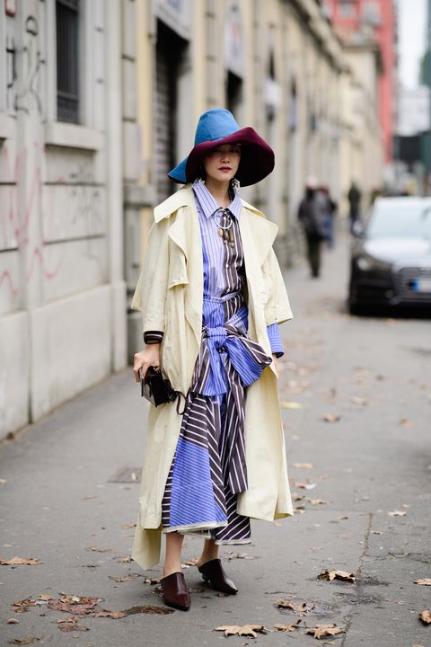 Street fashion, Clothing, Fashion, Snapshot, Outerwear, Footwear, Coat, Trench coat, Headgear, Electric blue,