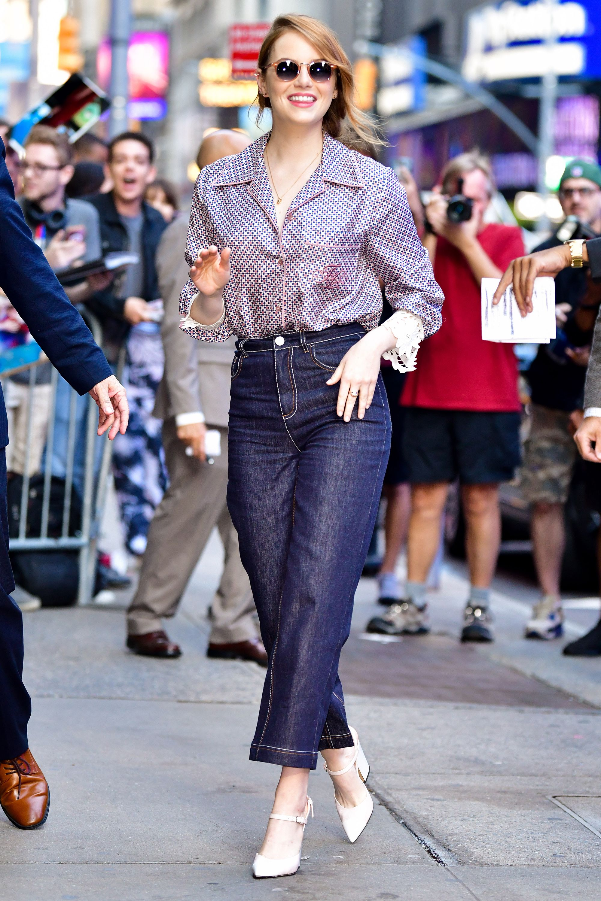 e699723ae Celebrity Style and Fashion Tips - Today s Style Secret for Harper s ...