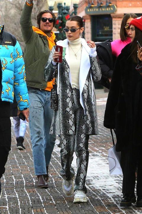Street fashion, People, Fashion, Snapshot, Street, Outerwear, Human, Event, Pedestrian, Tourism,