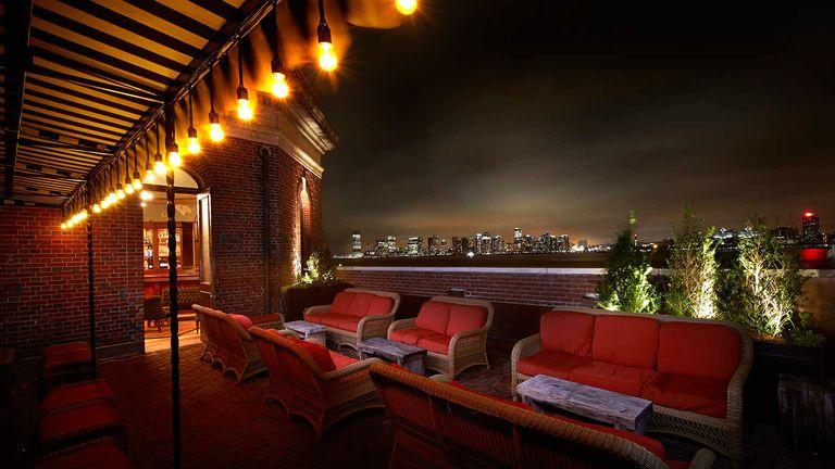 Best Rooftop Bars In NYC - Best Rooftop Bars In Manhattan