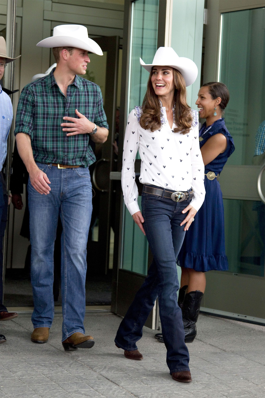 15 Ways to Wear Cowboy Boots - Cute