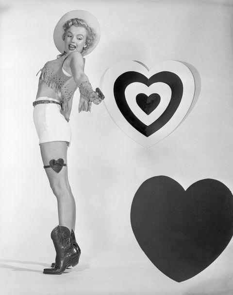 Human leg, Heart, Style, Love, Organ, Knee, High heels, Art, Boot, Thigh,
