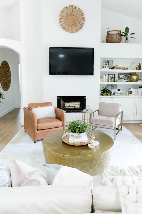 Living room, White, Furniture, Room, Interior design, Property, Coffee table, Table, Couch, Home,