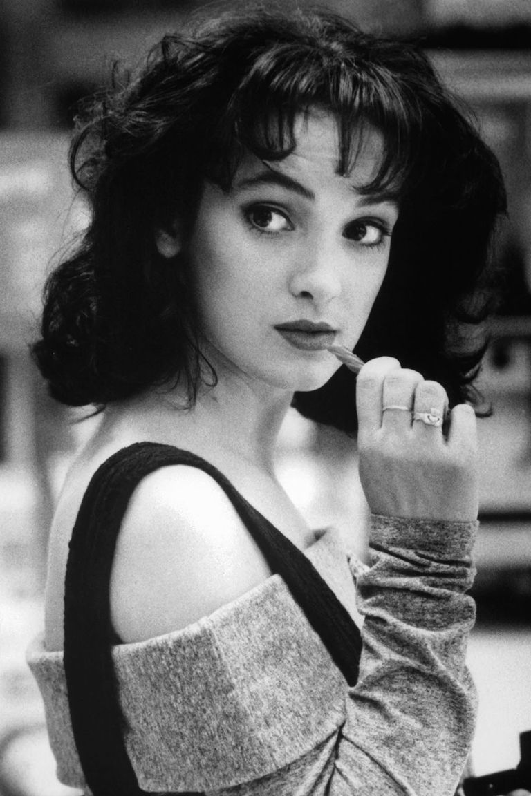 Winona Ryder Best Hair And Makeup Looks - Winona Ryder Old ...