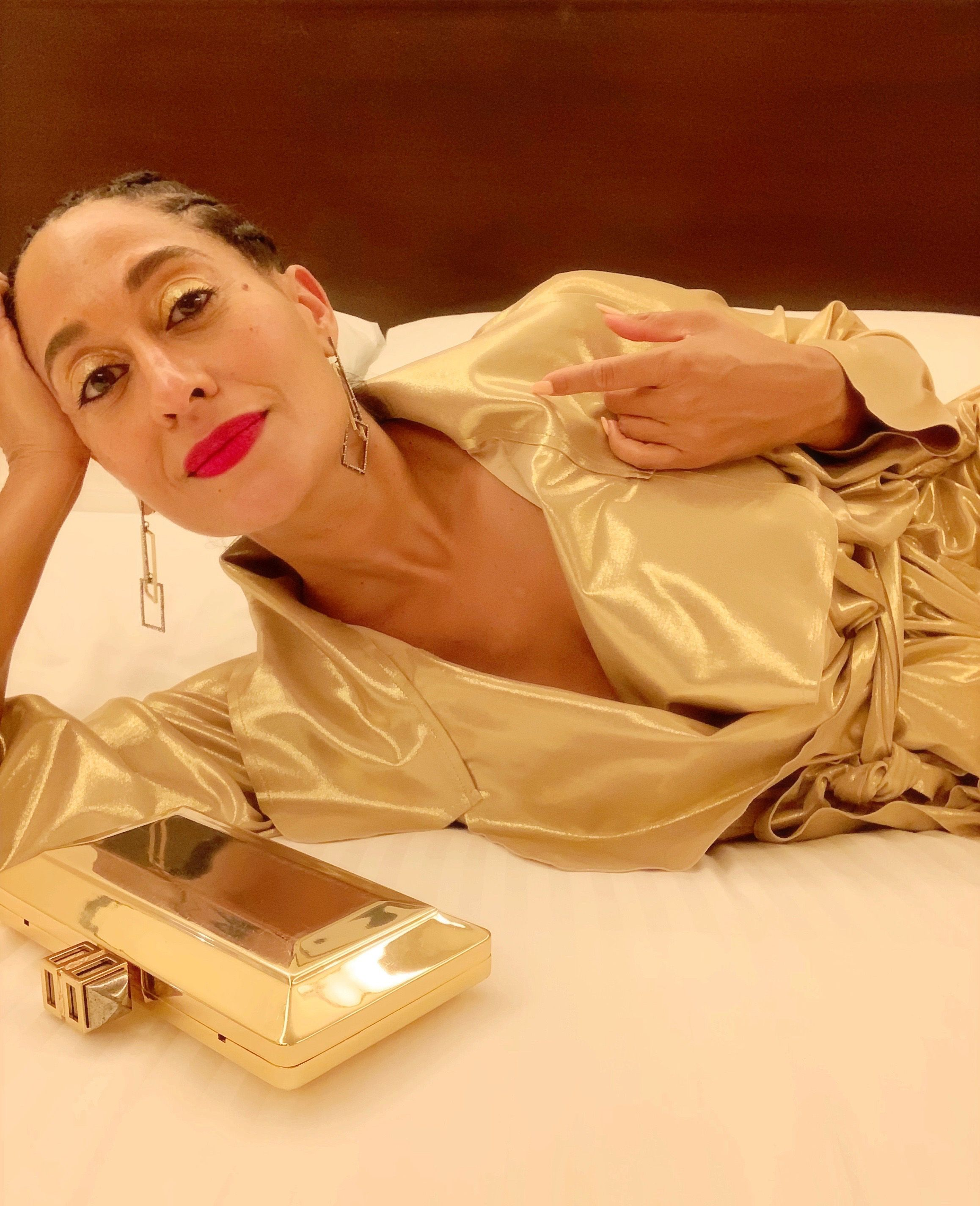 Tracee Ellis Ross Tested the New iPhone XS at the Emmys
