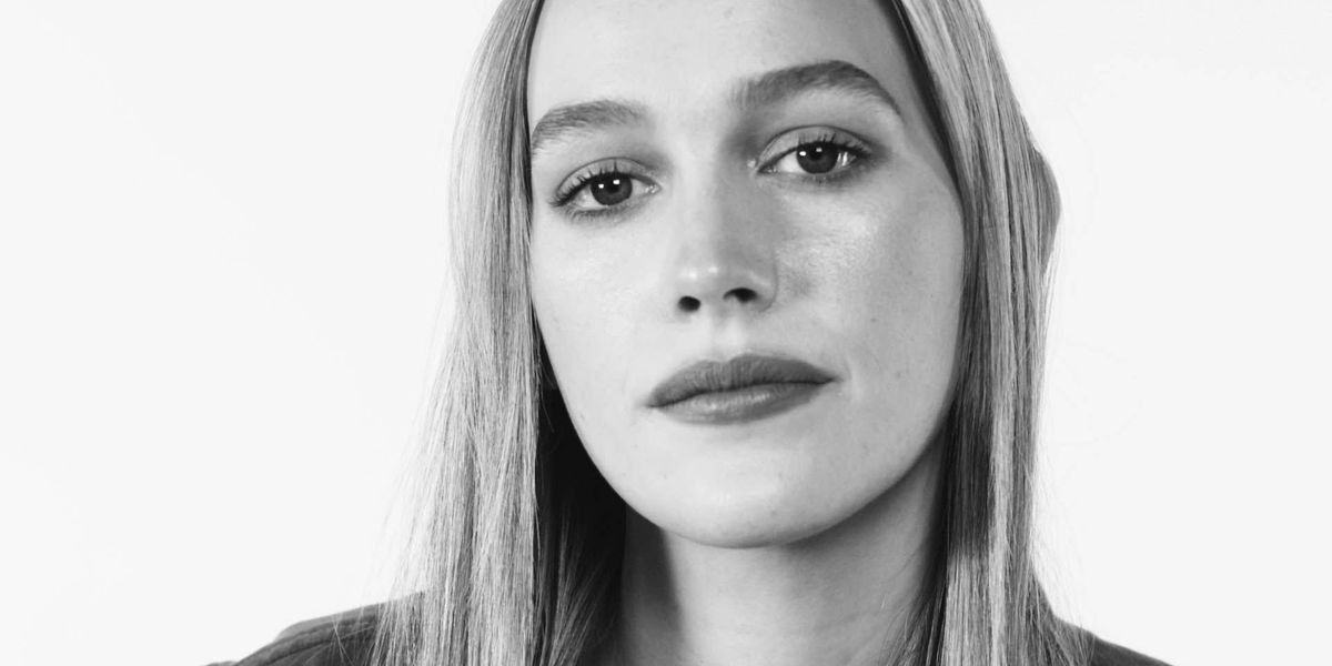 Victoria Pedretti On Being Cast In You Penn Badgley And Taika Waititi