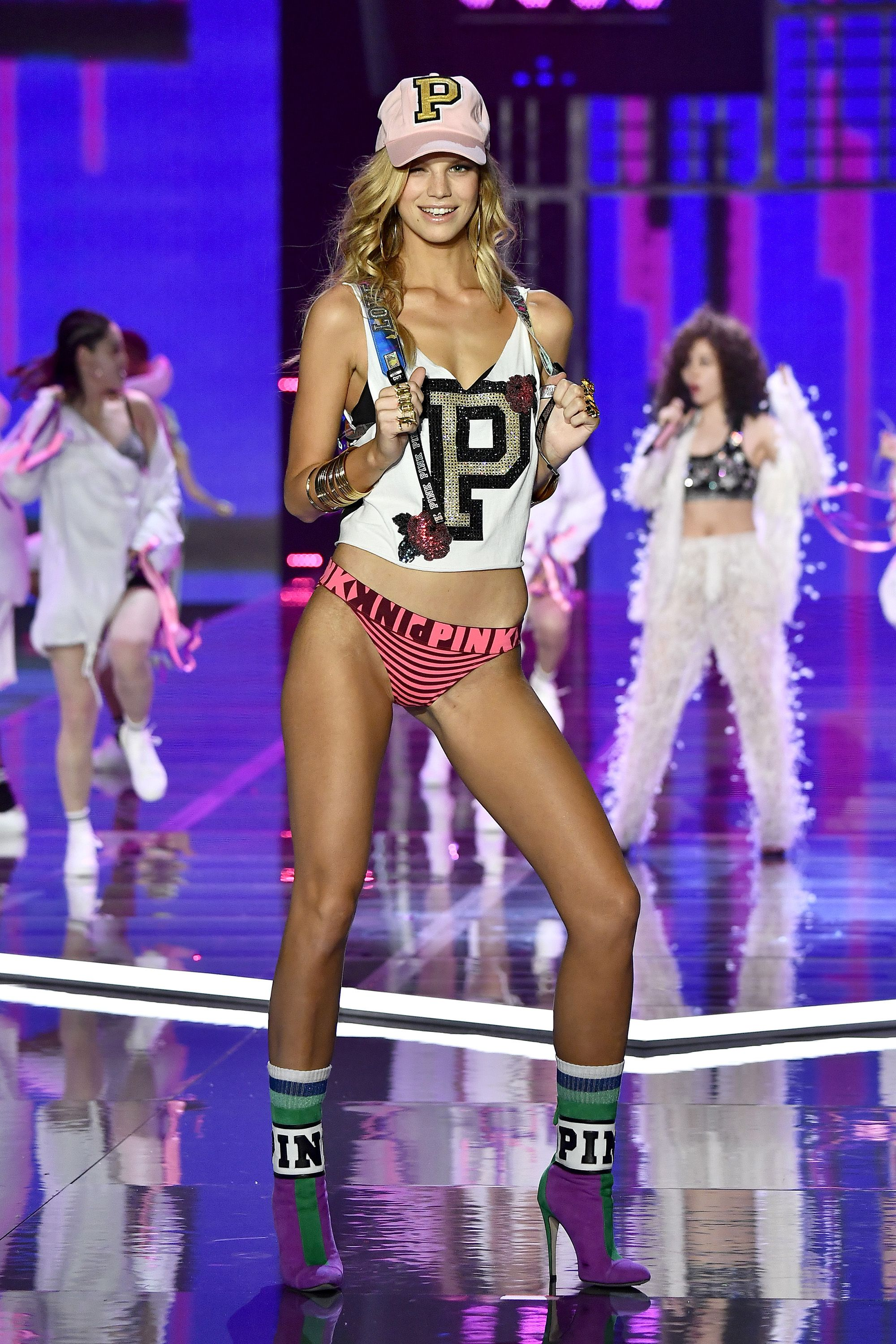 Victoria Secret Fashion Show Runway Looks 2017 Best Photos From