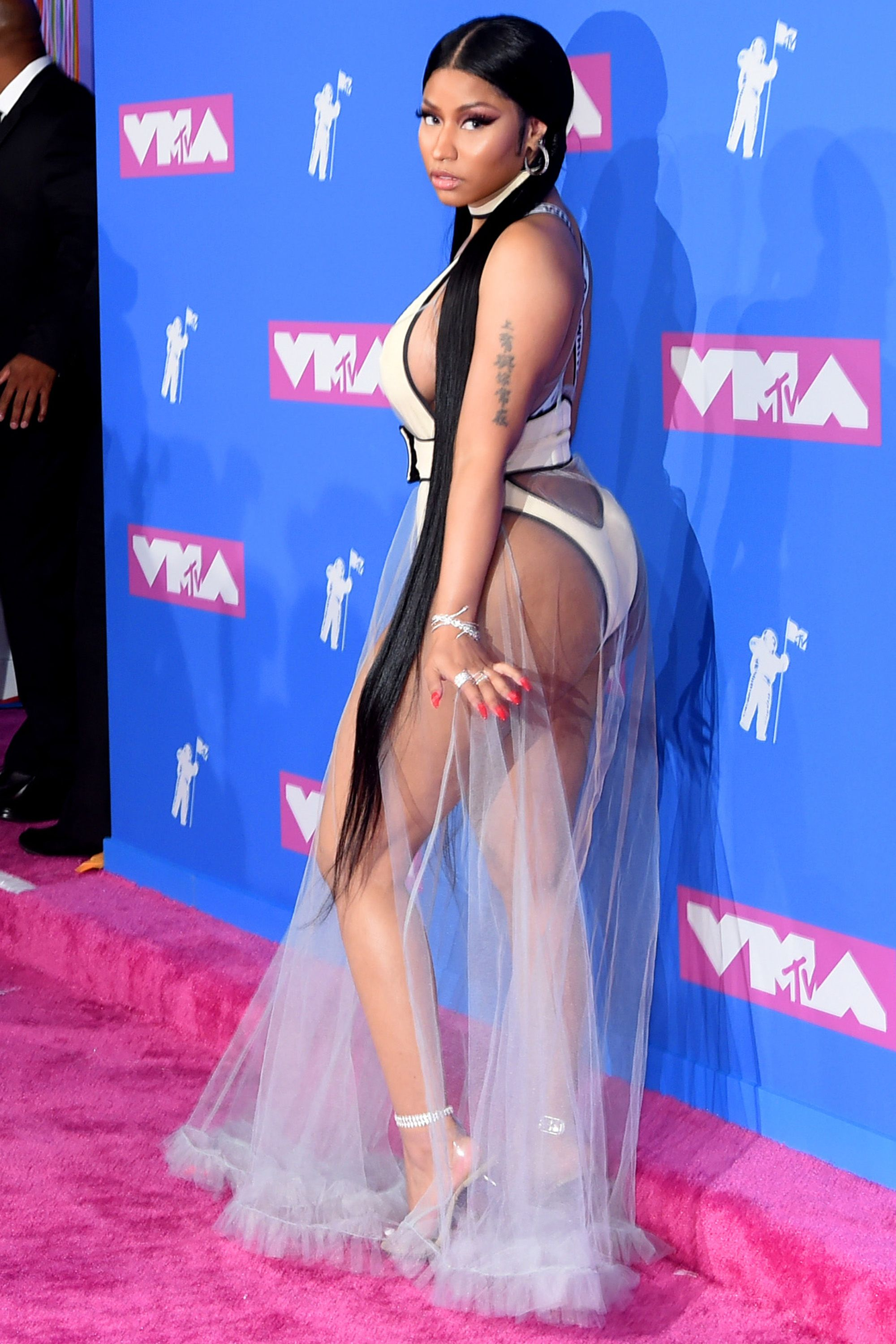 Basically Everyone Besides Steven Tyler Wore a Naked Dress to The VMAs