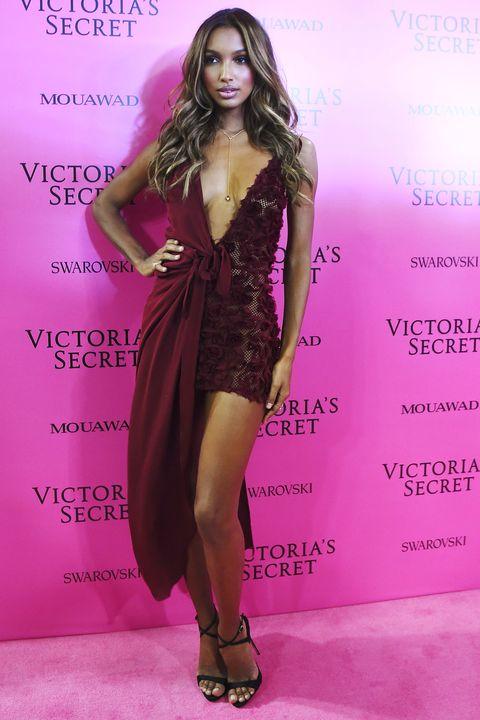 Fashion model, Clothing, Fashion, Dress, Beauty, Hairstyle, Purple, Long hair, Model, Leg,