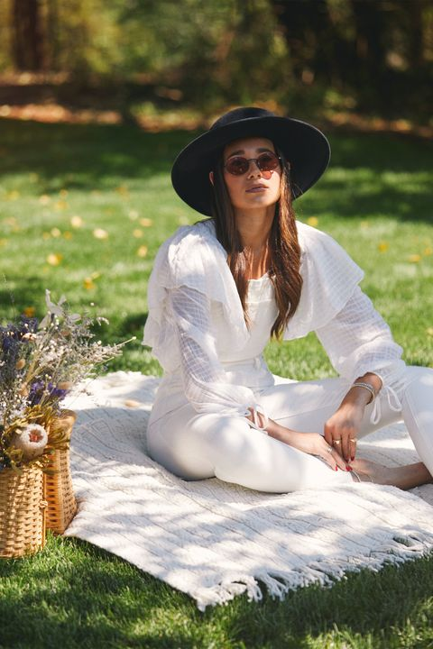People in nature, White, Grass, Beauty, Botany, Sitting, Photo shoot, Dress, Summer, Hat,