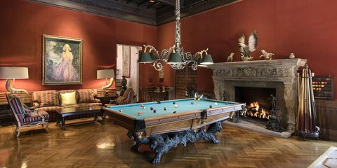 Billiard room, Billiard table, Recreation room, Pool, Games, Room, Furniture, Indoor games and sports, English billiards, Table,