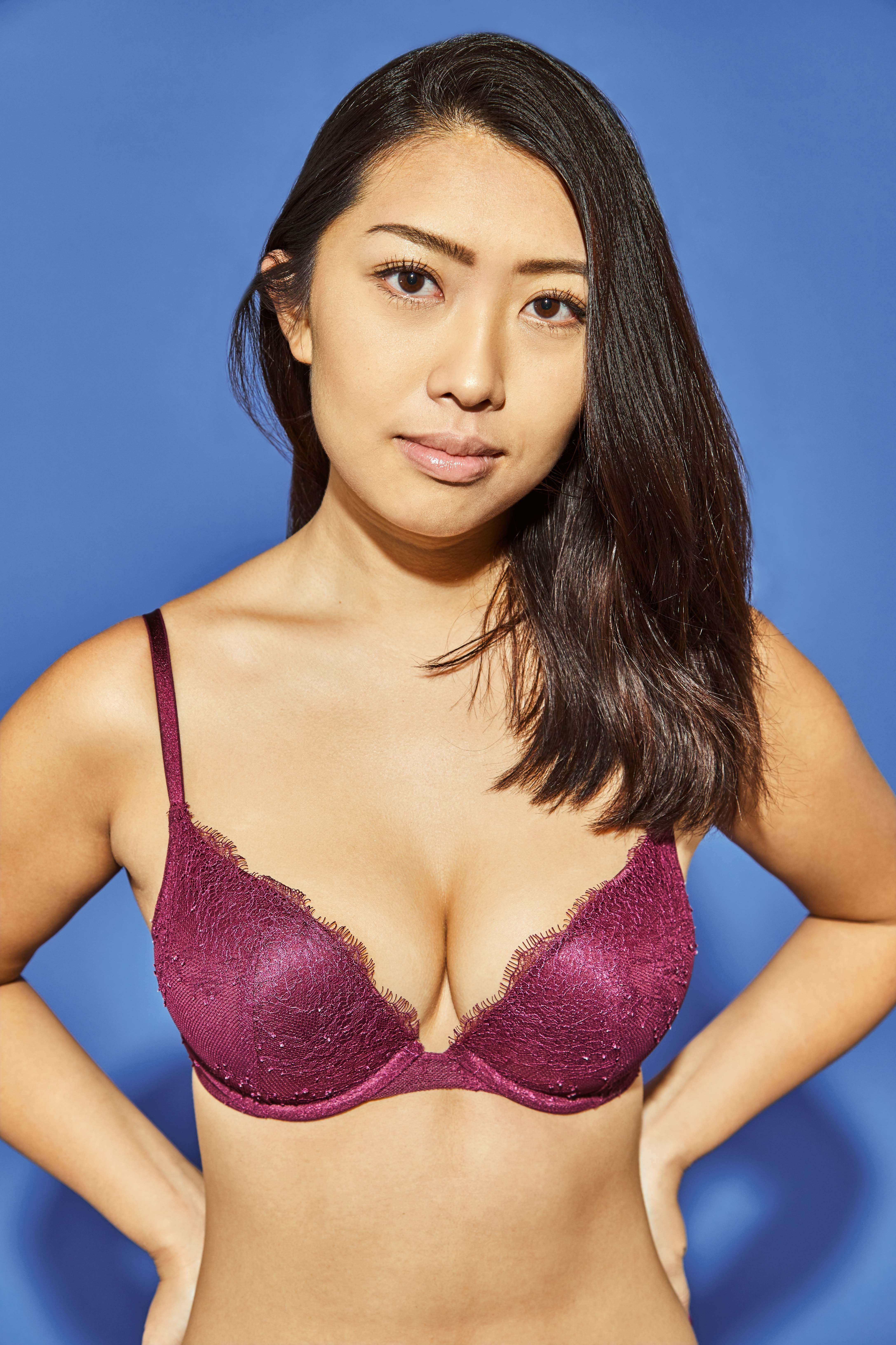 Cleavage Sabrina Man (b. 2000) nude (34 fotos) Erotica, YouTube, swimsuit