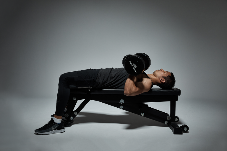 How to Bench Press the Right Way