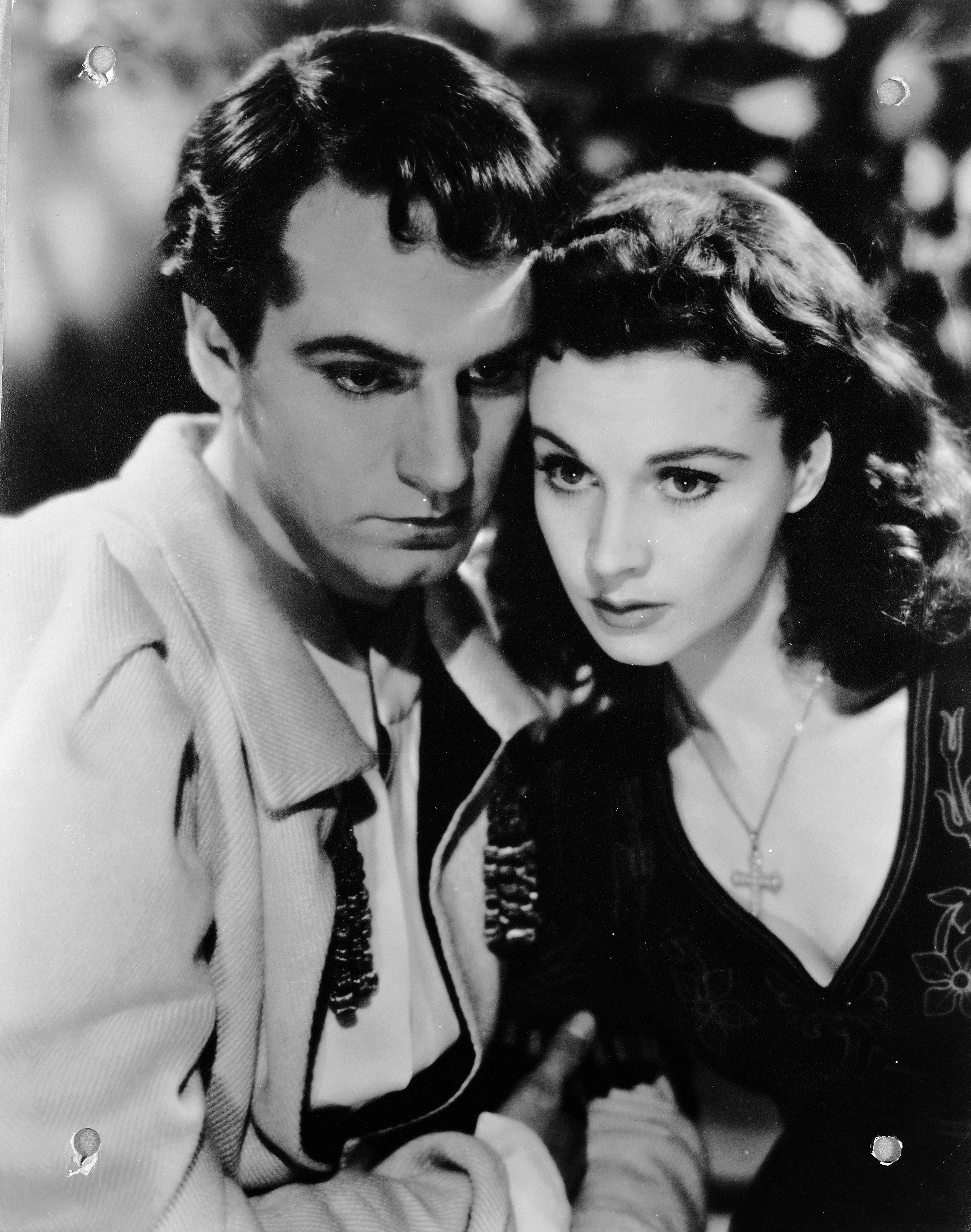 A Timeline of Vivien Leigh and Laurence Olivier's Tragic Love Story as Told  Through Love Letters
