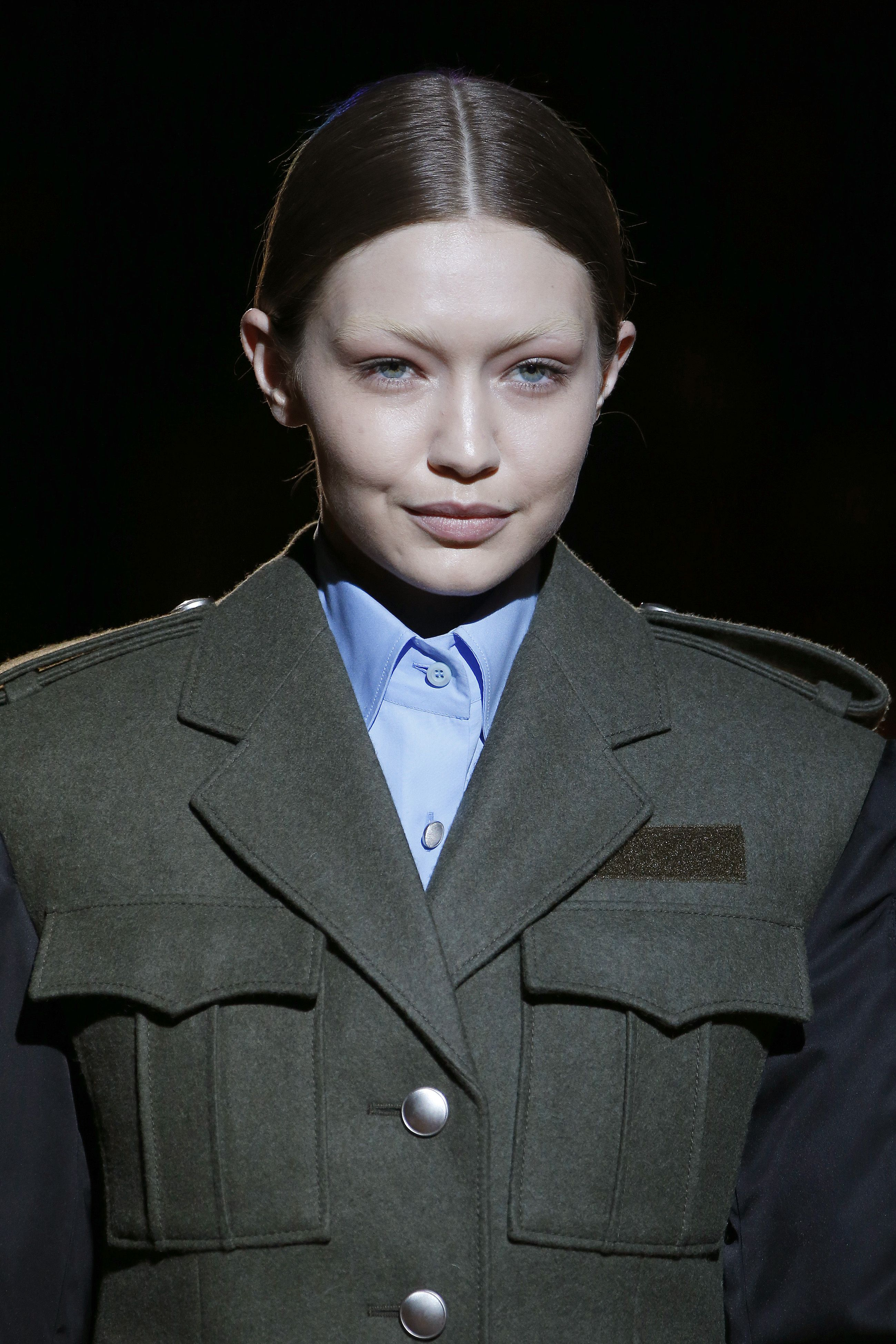 134bb89fcc66c It s not uncommon for models to bleach their eyebrows for a runway show.  Marc Jacobs