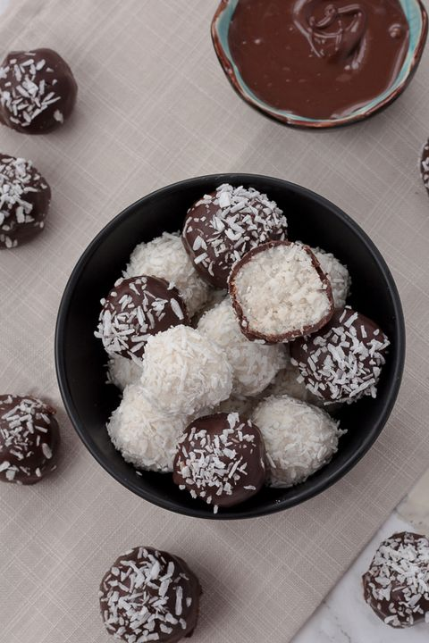 Healthy Christmas Treats - Coconut Bliss Balls