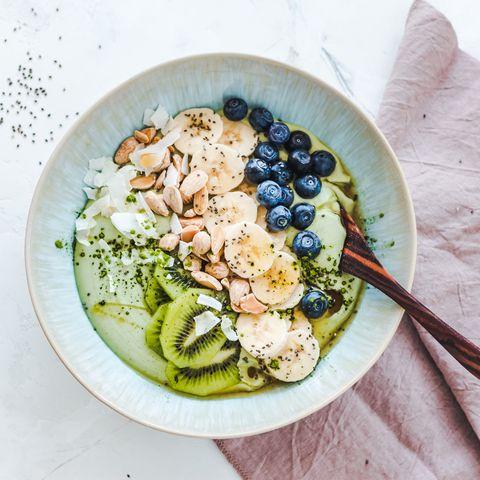 healhty hotspots den haag gezonde bowl met fruit en noten
