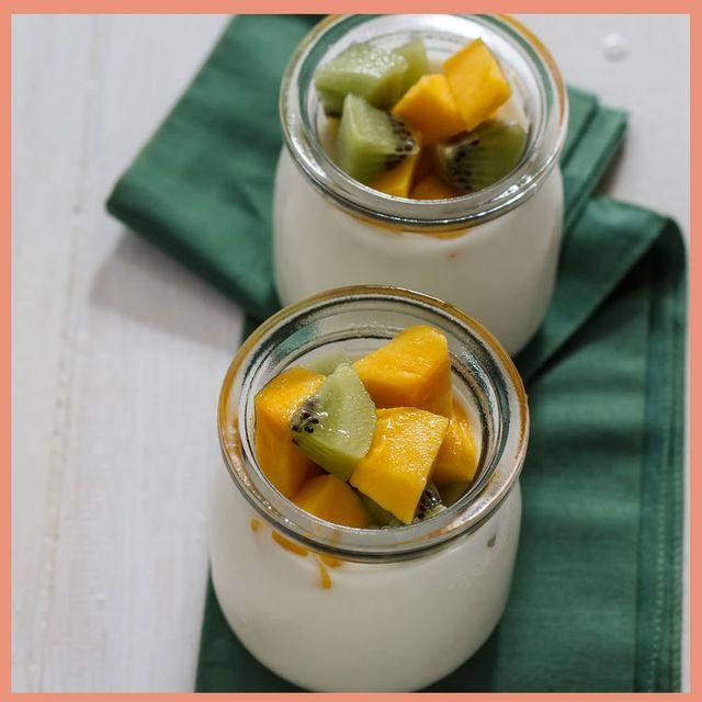 yogurt with fruit and cinnamon apples