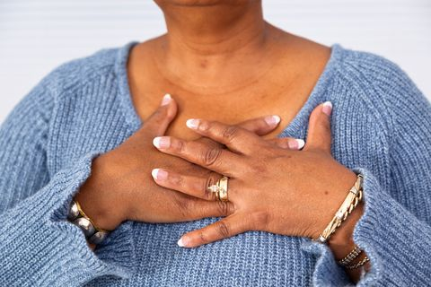 signs of a heart attack - Uncomfortable chest pressure
