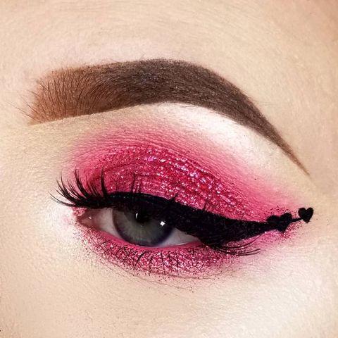 Eyebrow, Eye, Face, Eye shadow, Eyelash, Lip, Skin, Organ, Pink, Beauty,