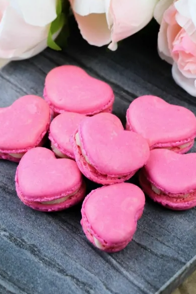 heart macarons - heart shaped foods