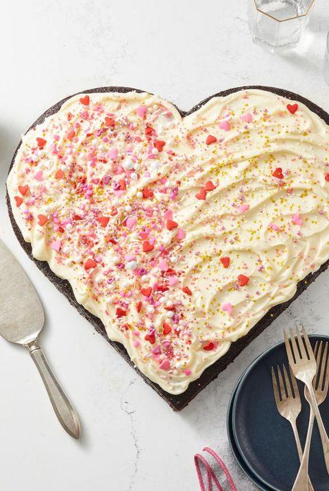 Valentine's Day recipe - heart shaped cake