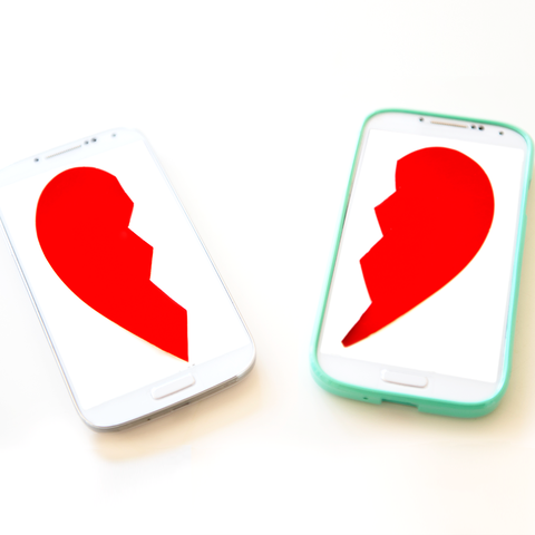 Phubbing- Looking at phone can ruin a relationship