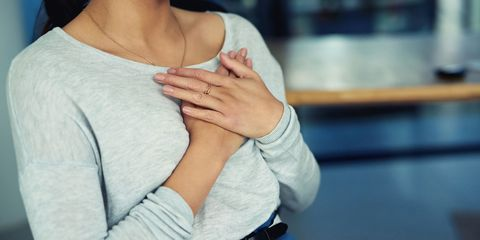 Shoulder, Skin, Arm, Hand, Joint, Neck, Elbow, Finger, Sleeve, Muscle,