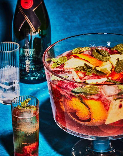 Drink, Liqueur, Distilled beverage, Pimm's, Alcoholic beverage, Campari, Negroni, Cuba libre, Alcohol, Ingredient,