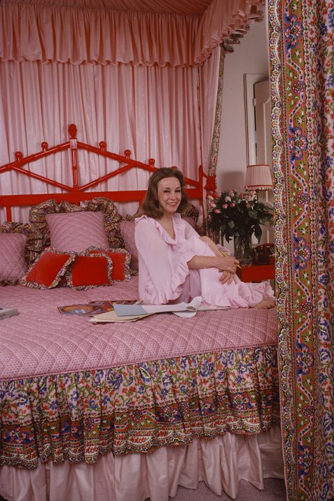 helen gurley brown bed