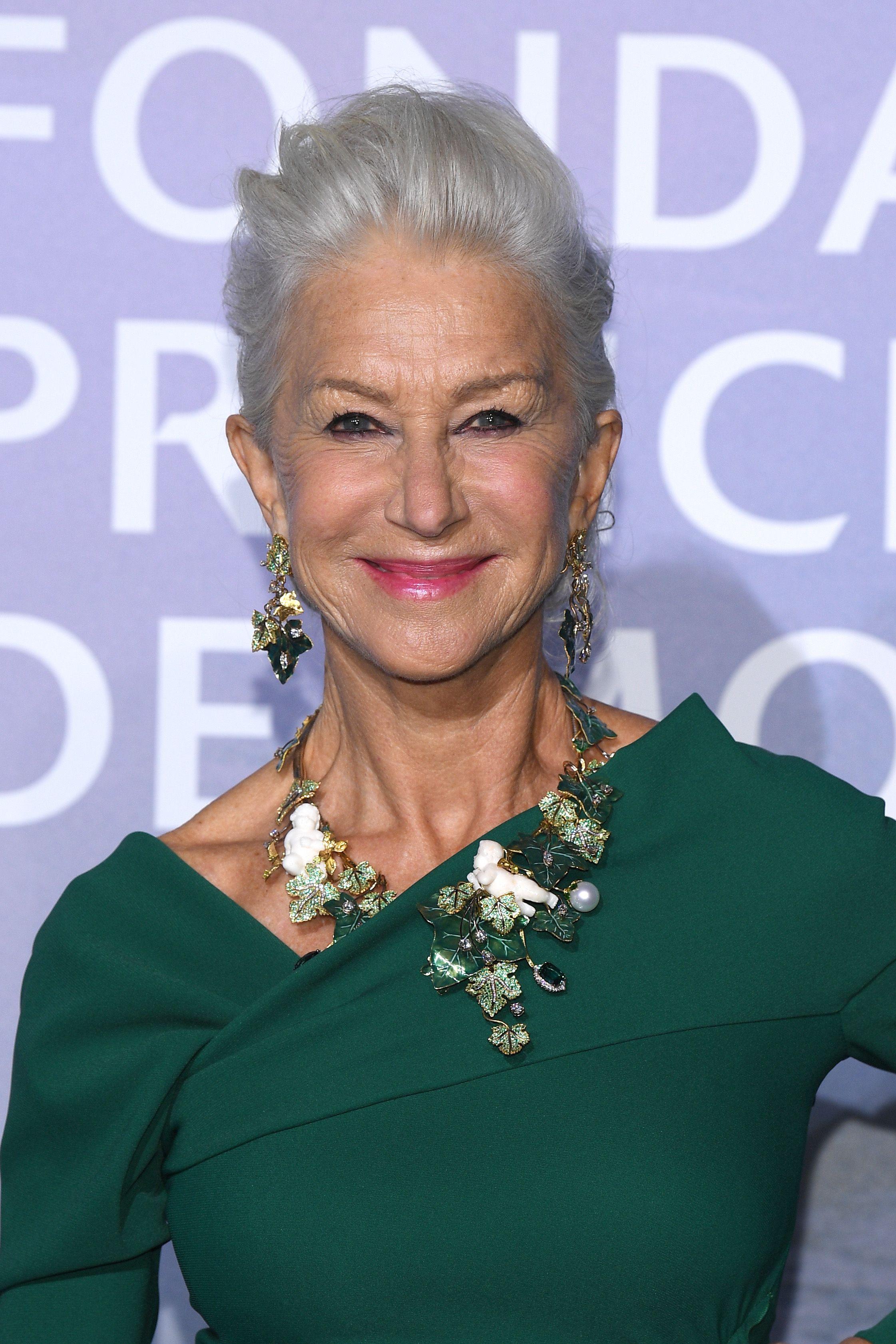coiffures helen mirren pour les femmes plus âgées