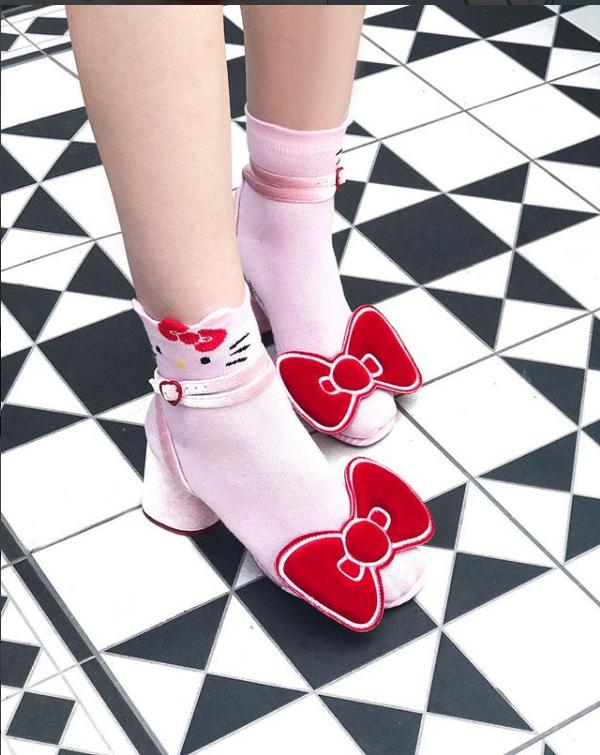 Más Naïf Hemos Asos Lanza Unos Zapatos Que Lo Kitty Son De Hello PuTXZikO