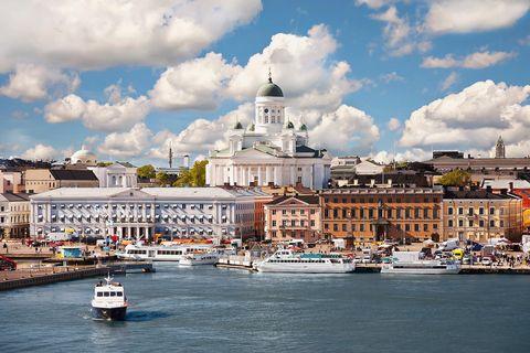 Helsinki, destino con arte. Vista del puerto.