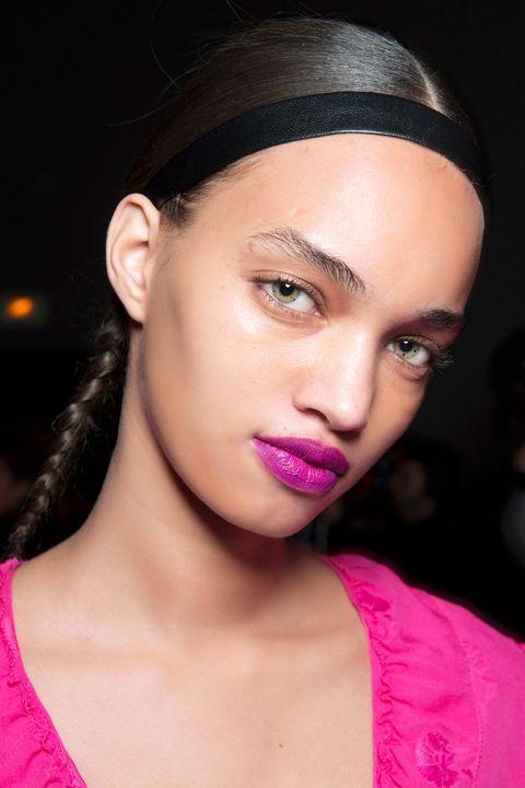 Hair, Eyebrow, Lip, Face, Pink, Beauty, Hairstyle, Cheek, Skin, Chin,