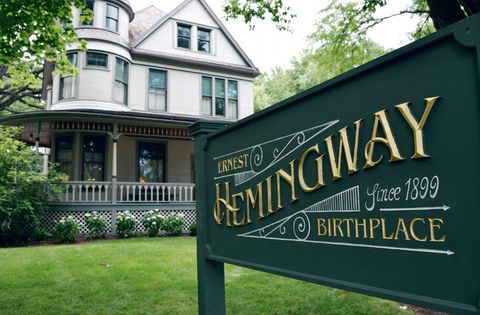 ernest hemingway's birthplace home museum in oak park illinois