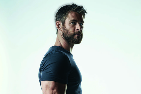 Shoulder, T-shirt, Standing, Clothing, Arm, Blue, Neck, Elbow, Sleeve, Facial hair,