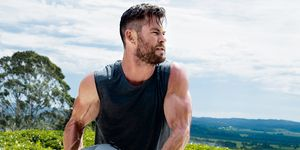 hemsworth building muscle