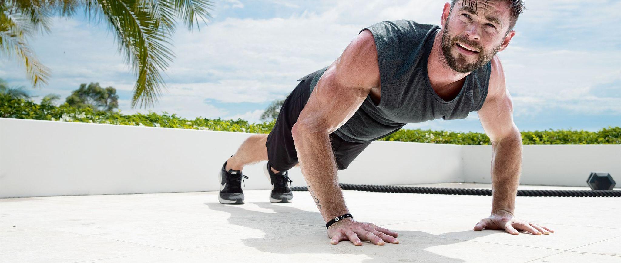 Chris Hemsworth muscle