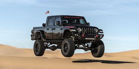 Land vehicle, Sand, Natural environment, Automotive tire, Vehicle, Motor vehicle, Desert, Tire, Aeolian landform, Off-roading,