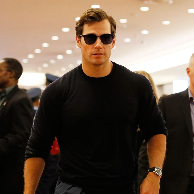 tokyo, japan   july 17 henry cavill arrives in support of the mission impossible   fallout world press tour at haneda airport on july 17, 2018 in tokyo, japan  photo by ken ishiigetty images for paramount pictures