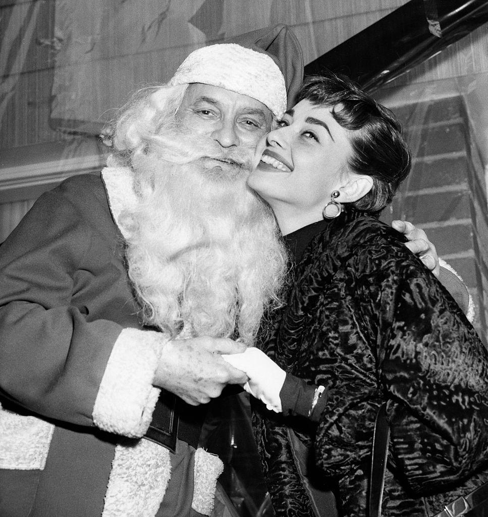 50 Vintage Photos of Hollywood Legends Celebrating Christmas