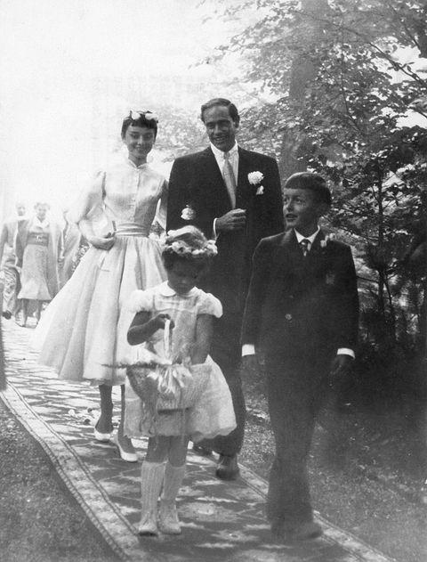 Hepburn, Audrey - Schauspielerin, Hochzeit mit M. Ferrer in Buergenstock