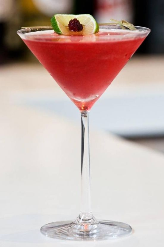25 best valentine 39 s day cocktails easy recipes for for Best cocktails for valentine s day