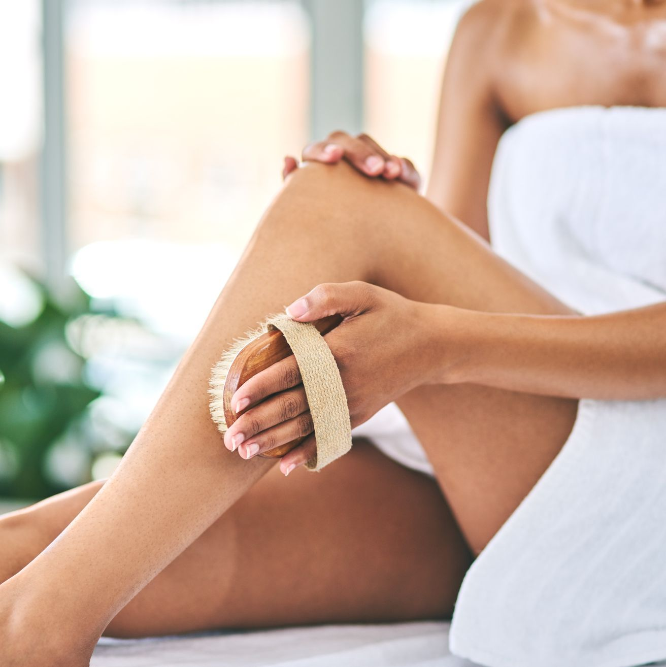 Dry Brushing for Cellulite: What to Know About the Benefits and Risks