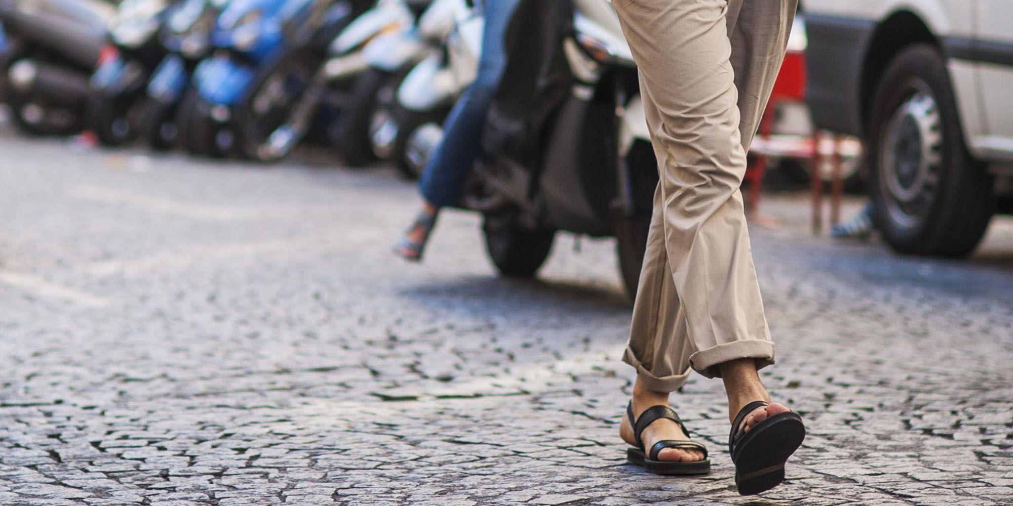 Heren slippers – Zo draag je heren slippers en dit zijn de