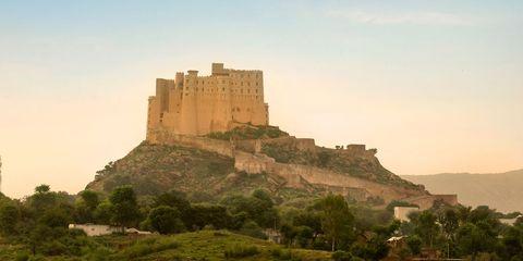 Fortification, Historic site, Landmark, Castle, Hill, Butte, Highland, Sky, Ruins, Unesco world heritage site,