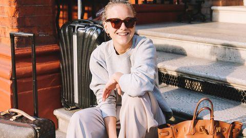 Eyewear, Shoulder, Sunglasses, Clothing, Street fashion, Fashion, Cool, Outerwear, Glasses, Vision care,