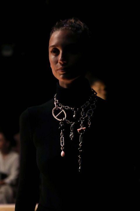 Fashion, Beauty, Neck, Necklace, Fashion design, Lip, Darkness, Fashion accessory, Model, Jewellery,