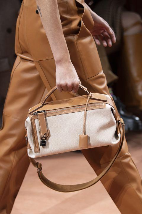 Bag, Handbag, Brown, Beige, Khaki, Tan, Fashion, Fashion accessory, Waist, Satchel,